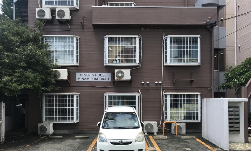 Room Eta, Kasuga