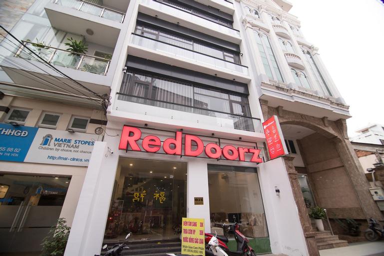 RedDoorz Plus near Hoang Van Thu Park 2, Phú Nhuận