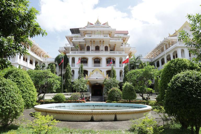 Champasak Palace Hotel, Pakxe