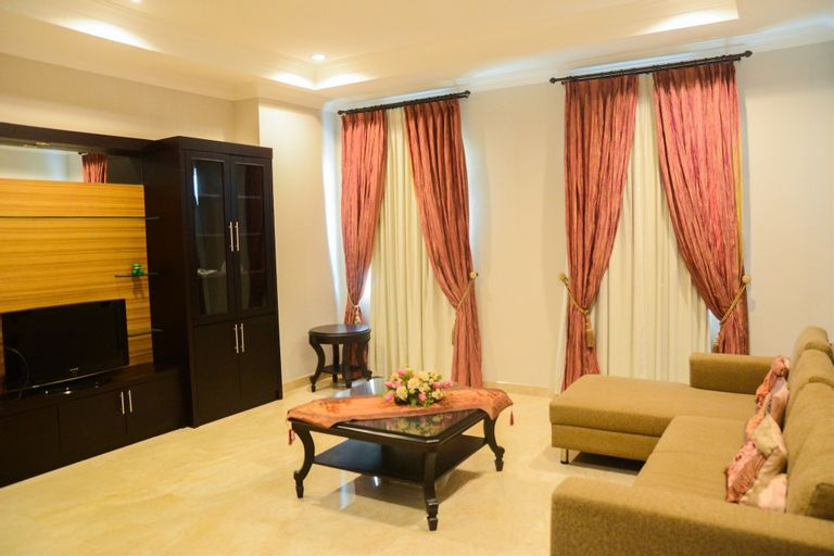 Awesome 3BR Bellezza Permata Hijau Apartment near Senayan, South Jakarta