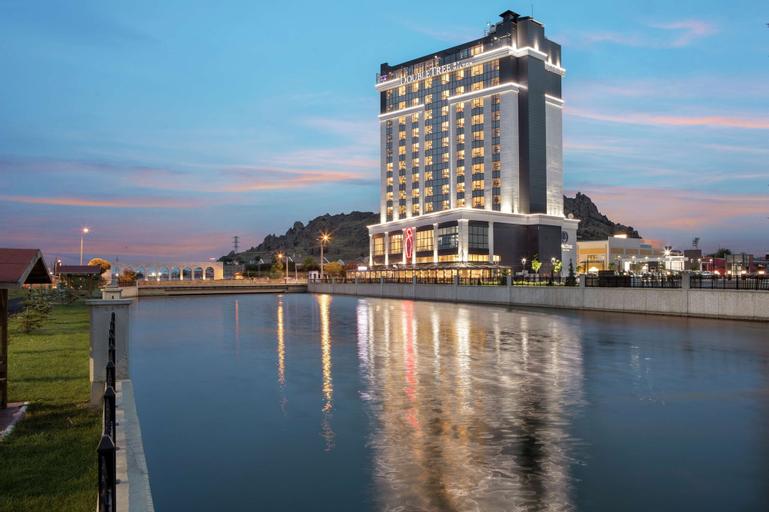 DoubleTree by Hilton Afyonkarahisar, Merkez