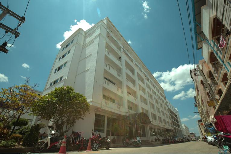 G9 Hotel, Sadao