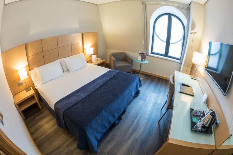 Hotel Silken Ciudad de Vitoria, Álava