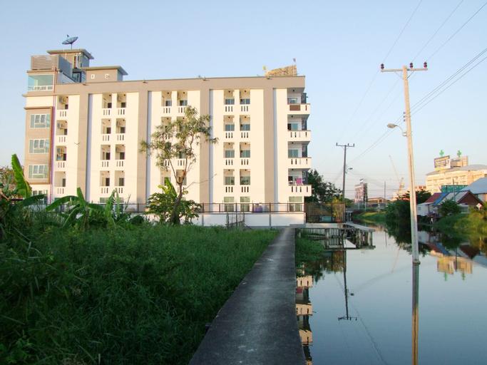 At Ease Residence Suvarnabhumi, Bang Plee