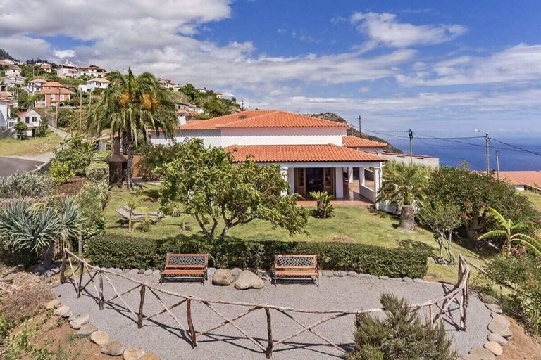 Country House With sea View, Southern Sunny House, Calheta