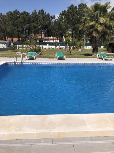 Aroeira's paradise villa with pool, Almada