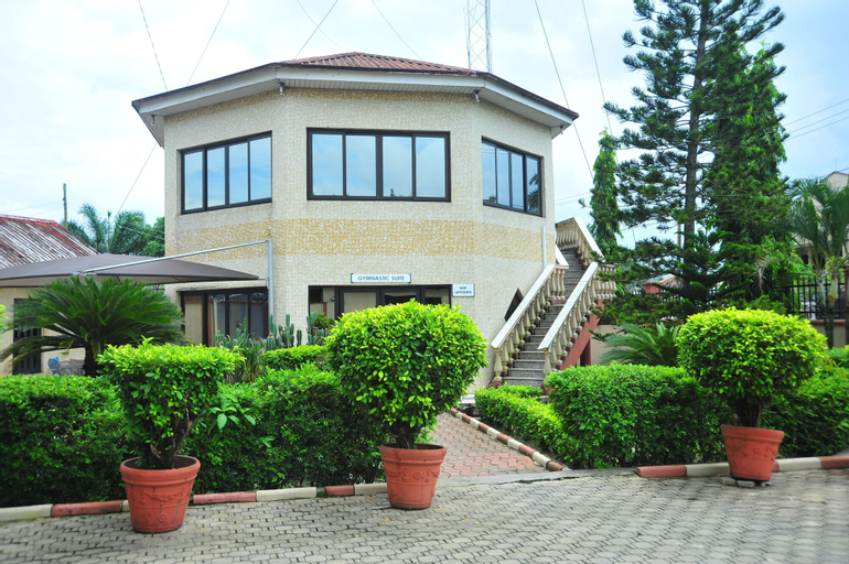 Peemos Place Warri, Warri South