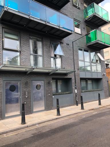 City Short Stays Aldgate East Studios, London