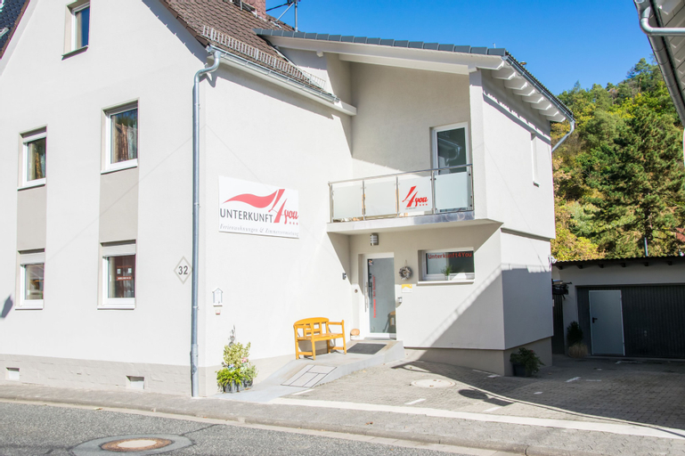 Unterkunft4You - Ferienhaus 'Am Schloss', Hochtaunuskreis