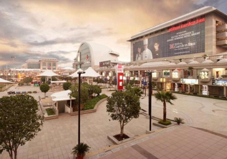 Hilton Garden Inn New Delhi/Saket, West
