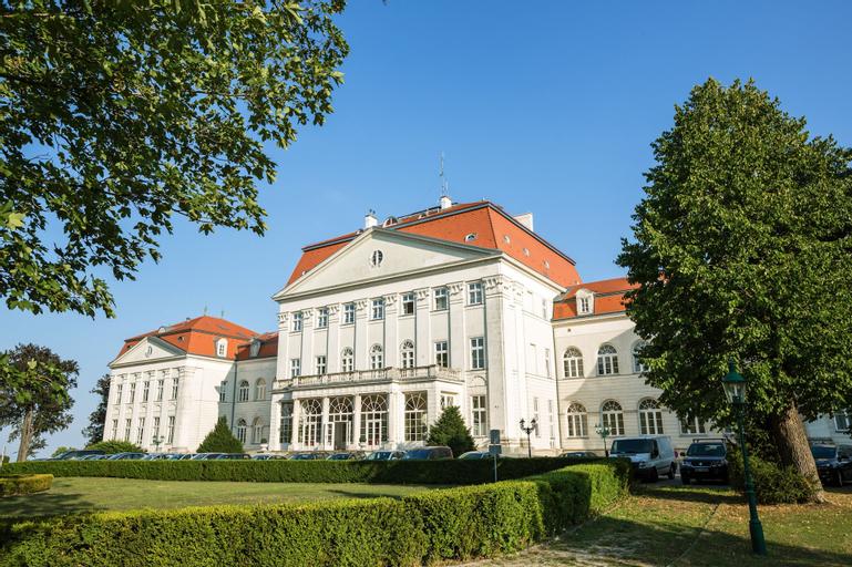 Austria Trend Hotel Schloss Wilhelminenberg, Wien