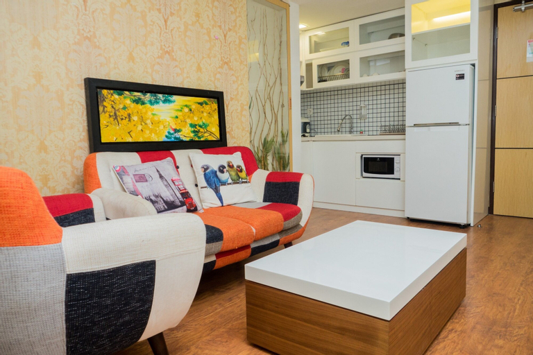 Luxurious 1BR La Grande Apartment with Private Workspace, Bandung