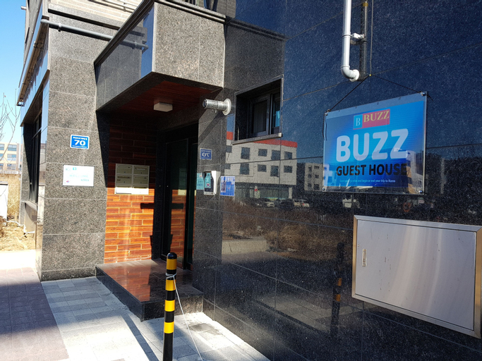Buzz Guest House - Hostel, Jung