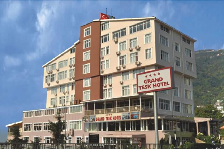 Grand Hotel Tesk, Merkez