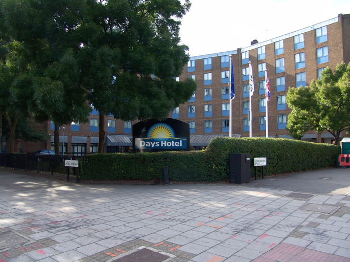 Waterloo Hub Hotel & Suites, London