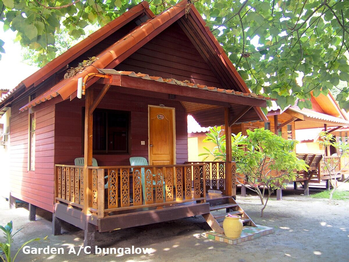Coco Beach Bungalows, Muang Satun