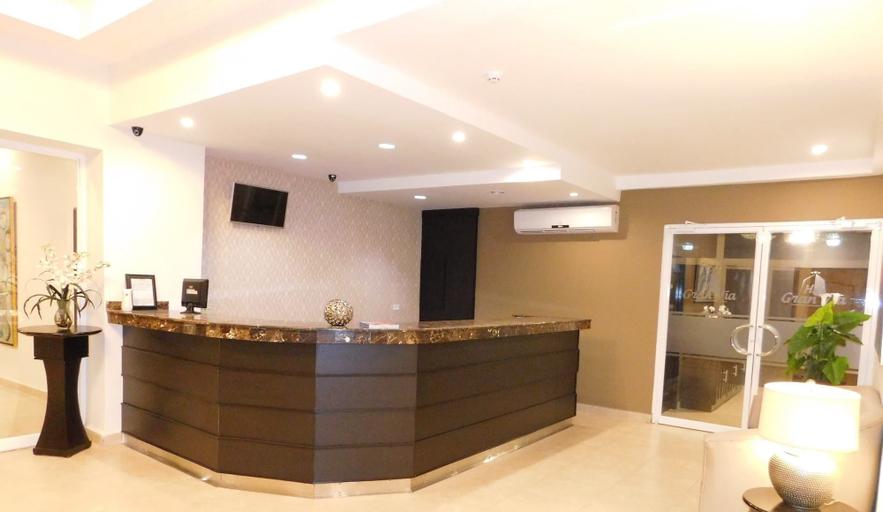 Hotel Gran Via, David