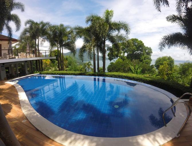 Villas by Eco Hotel Batangas, Mataas Na Kahoy