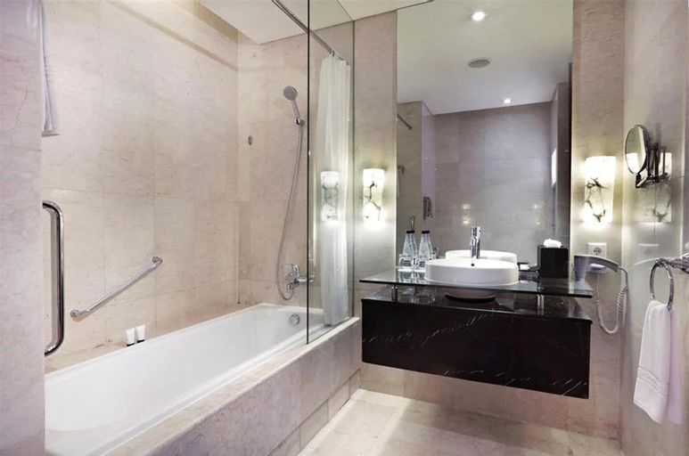 The Grove Suites by GRAND ASTON, Jakarta Selatan
