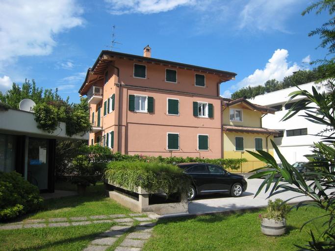 Apartments Bella Villa, Trento