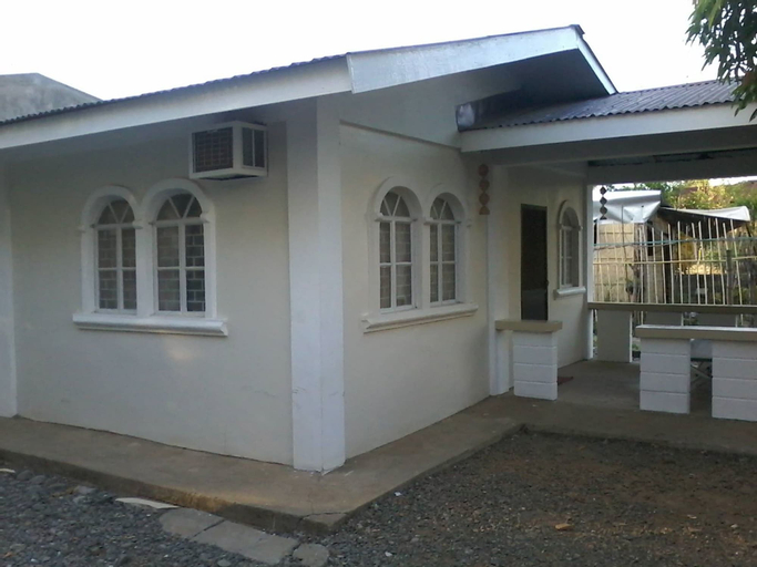 Czarina Transient House, Alaminos City