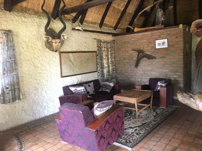 Nyangombe Safari Lodge, Kwekwe