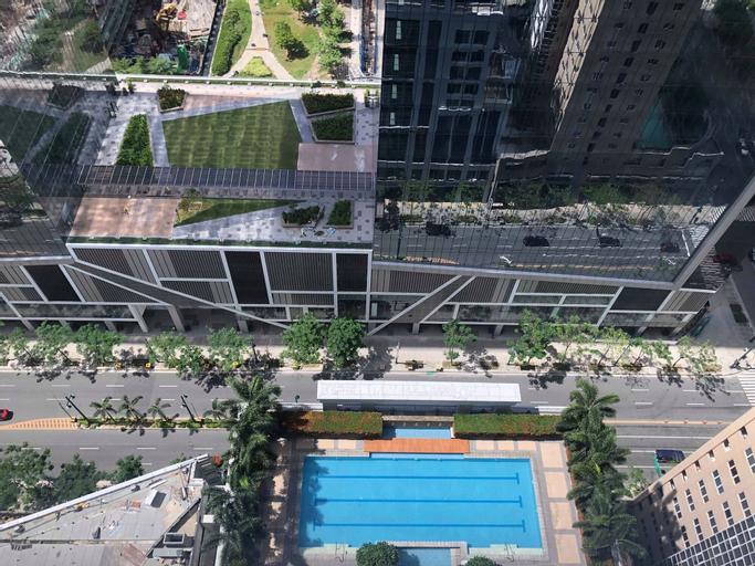 At The Heart of BGC at The Infinity Tower, Makati City