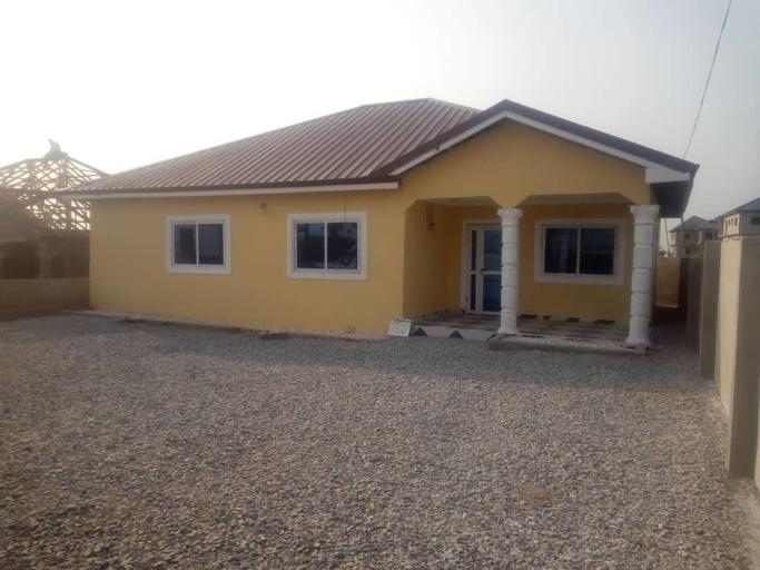 3 bedroom Executive House Ensuite, Awutu Efutu Senya