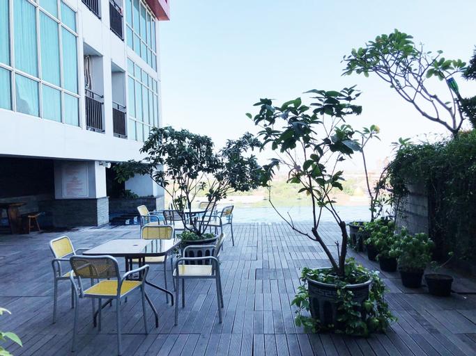 Comfy Studio Tamansari Papilio Apartment, Surabaya