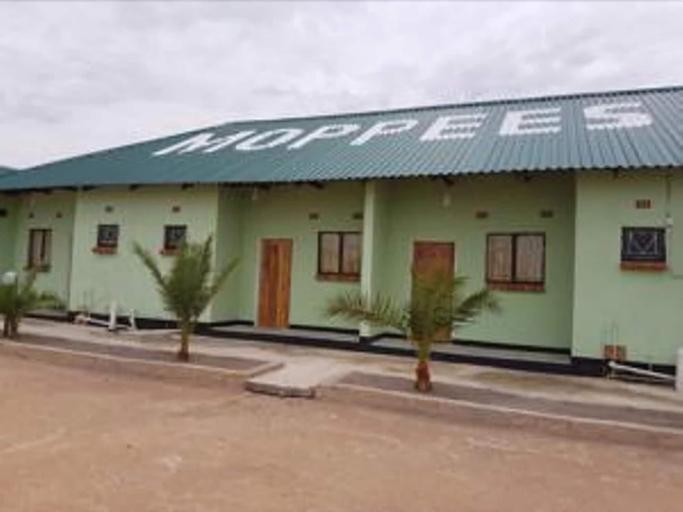 Mopees Lodge, Choma