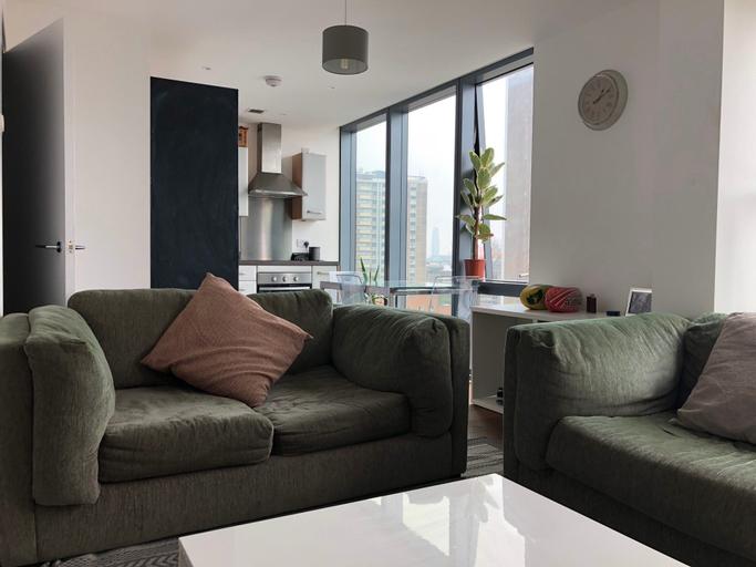 Modern 2 Bedroom Apartment Old Street, London