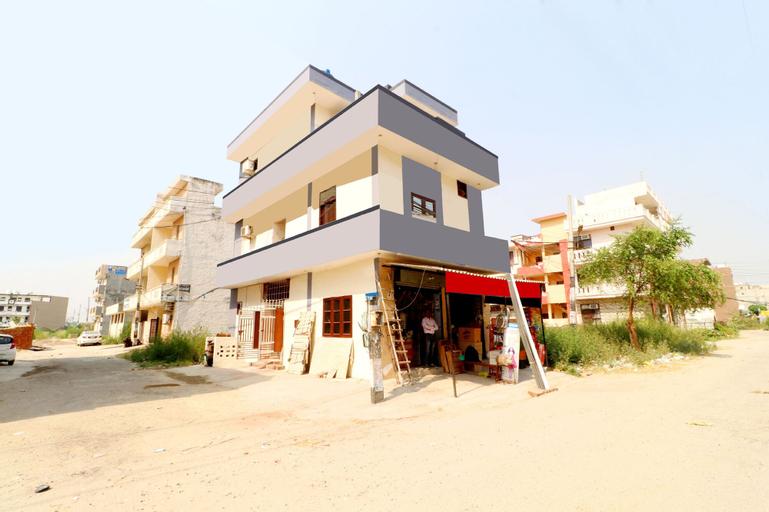 OYO 37097 Raj Apartments, Kapurthala