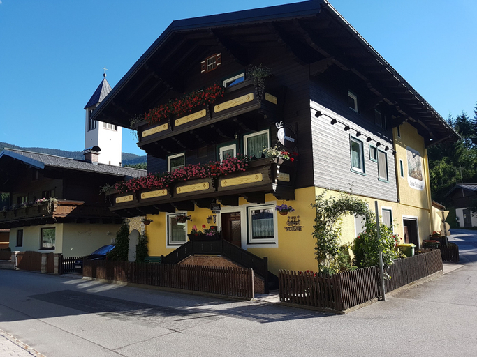 Pension Haus Rohrmoser, Hallein