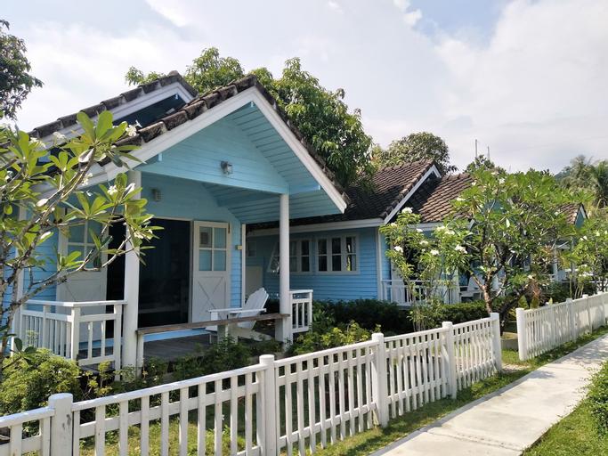 Baan Takarkard, Khlong Yai