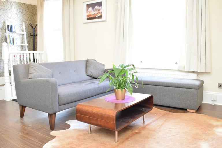 1 Bedroom Flat In Angel, London