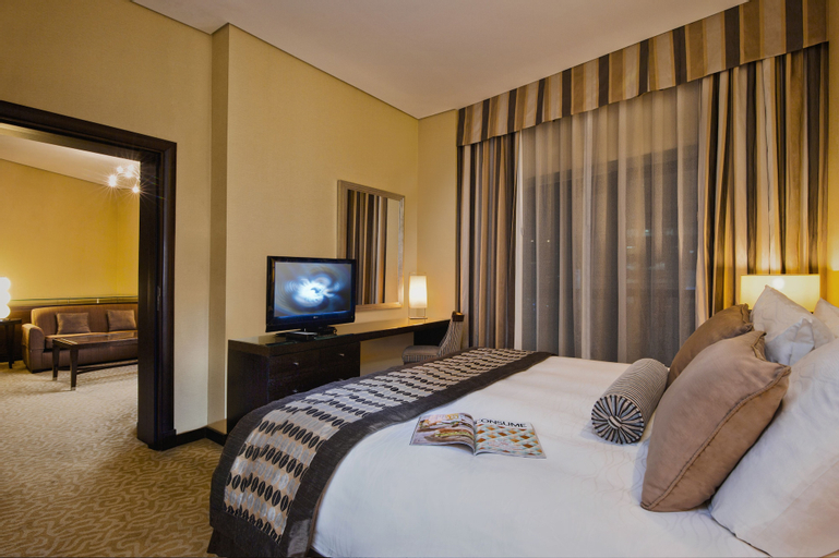 TIME Oak Hotel & Suites,