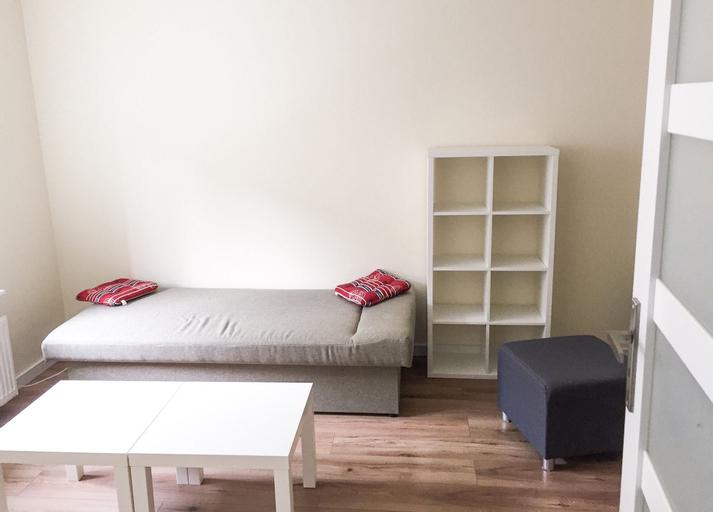 Penguin Rooms 4156, Kielce City