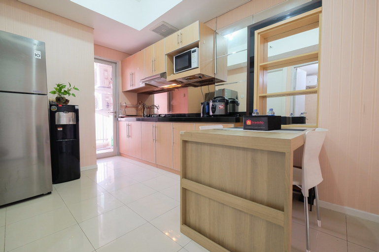 Modern and Classy 1BR Green Lake Sunter Apartment By Travelio, North Jakarta