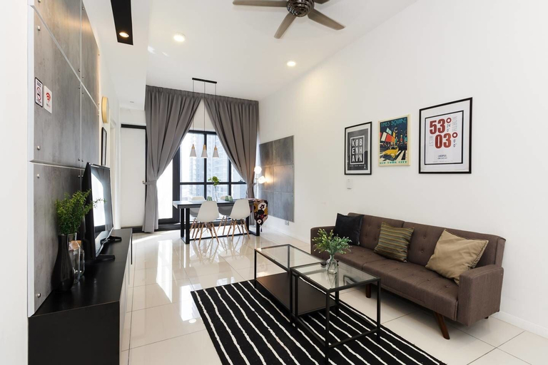 Cozy 2BR Home With Shops Downstairs And Nearby Klcc, Kuala Lumpur