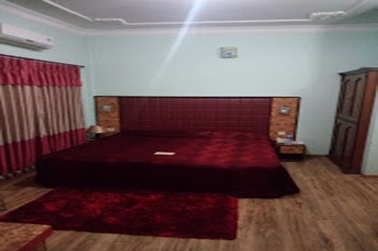 The Rubus Hotel, Seti
