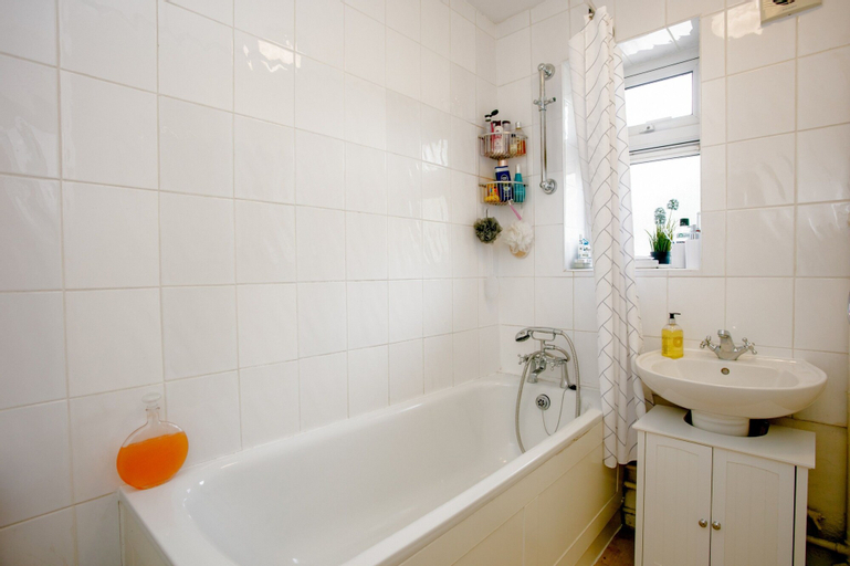 Close To Highbury And Islington 1 Bedroom Flat, London