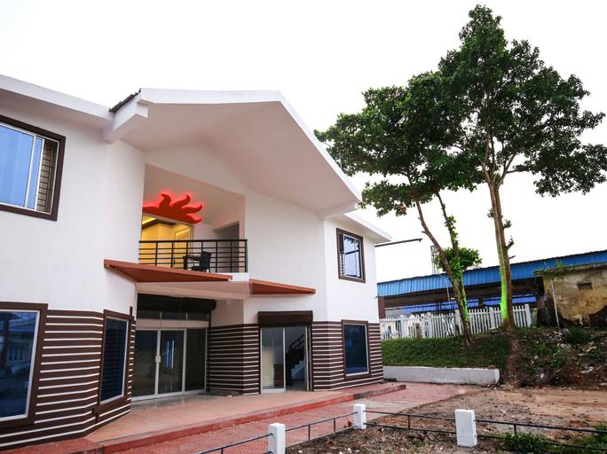 OYO 10152 Rail View Residency, Alappuzha