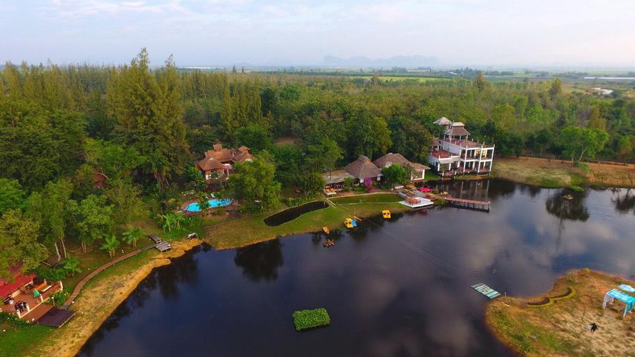 Golden Lake View Resort, Tha Muang
