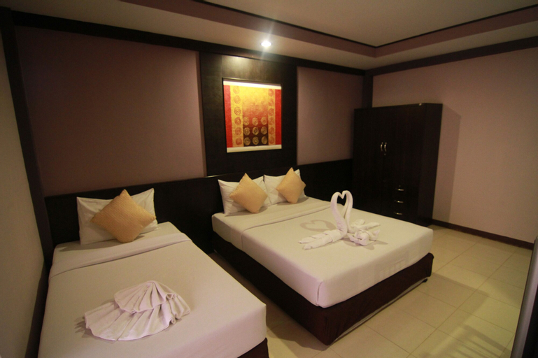 Grand Pinnacle Hotel, Bang Plee