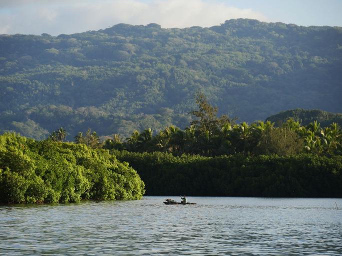 Mahun on the Lagoon Bungalows, Central Malekula