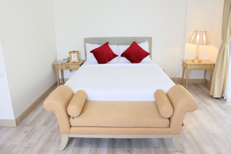 Romance Hotel Srinakarin, Bang Plee