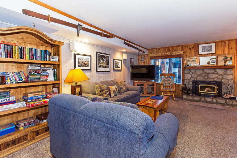 Horizons 4 133 - One Bedroom Condo, Mono