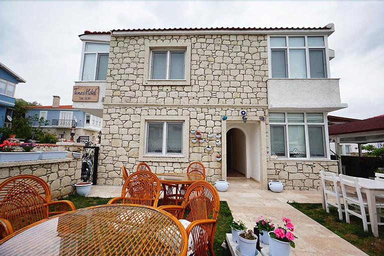 Tinas Hotel, Çeşme