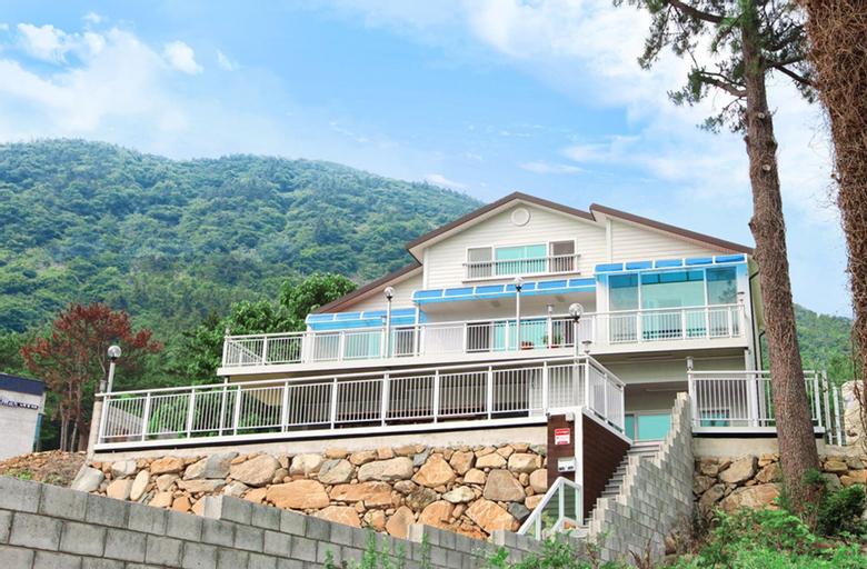 Beach Pines House, Yeosu