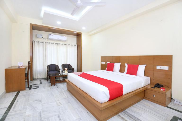 OYO 12767 Hotel Grand Chinar, Solan